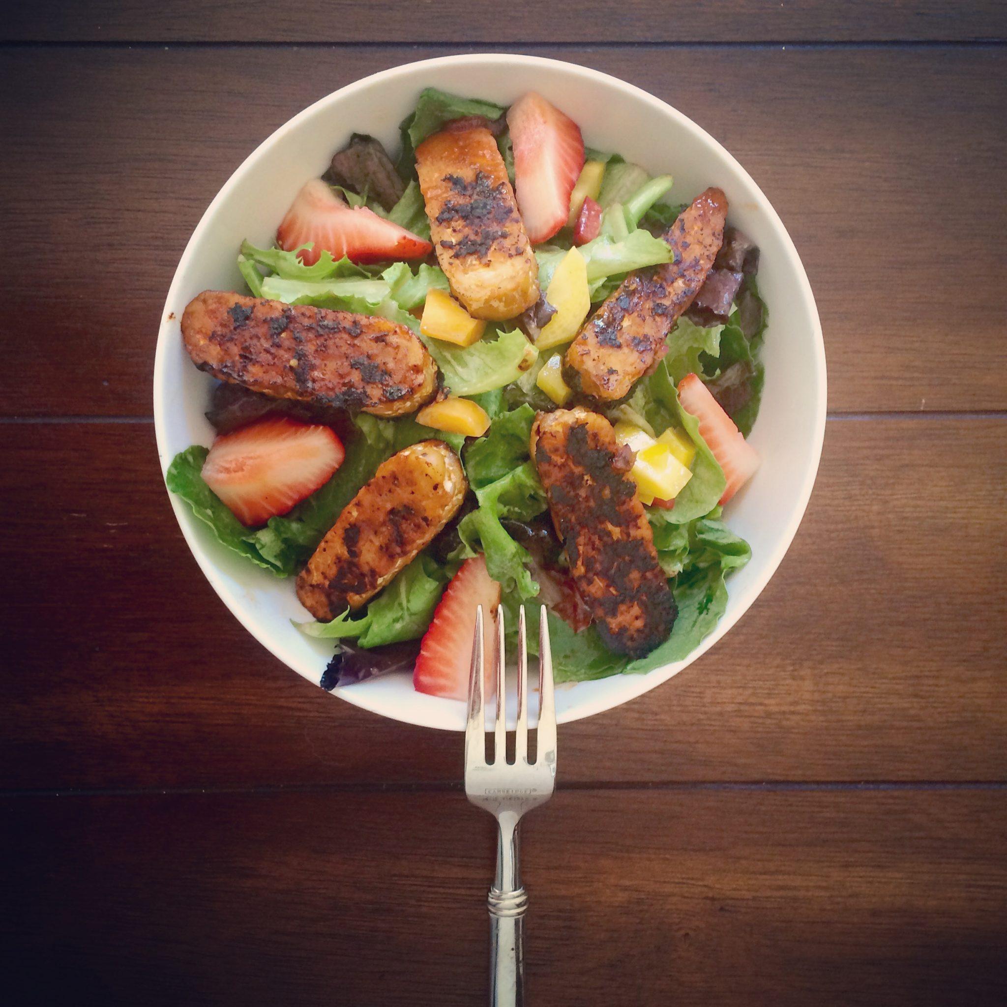 Blackened Tempeh Salad