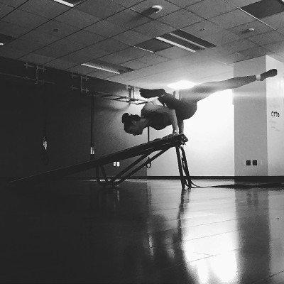 Coach -M-Arm-Balance